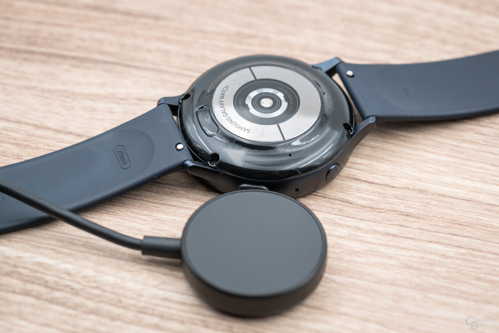Samsung Galaxy Watch Active 2: Ladesystem