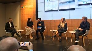 Panos Panay: Das Surface Duo wird Ende 2020 eine Kamera bieten