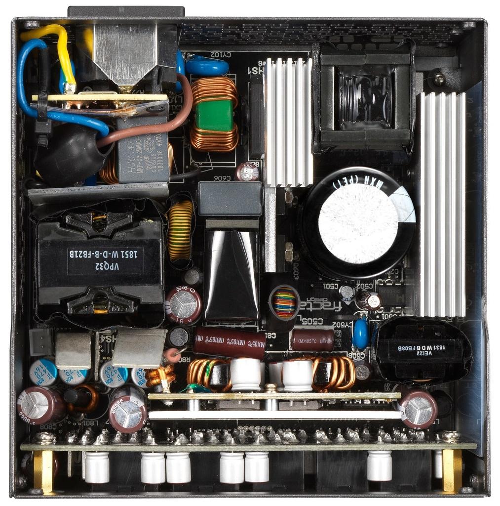 Das Fractal Desgin Ion SFX Gold wird von Seasonic gefertigt ...