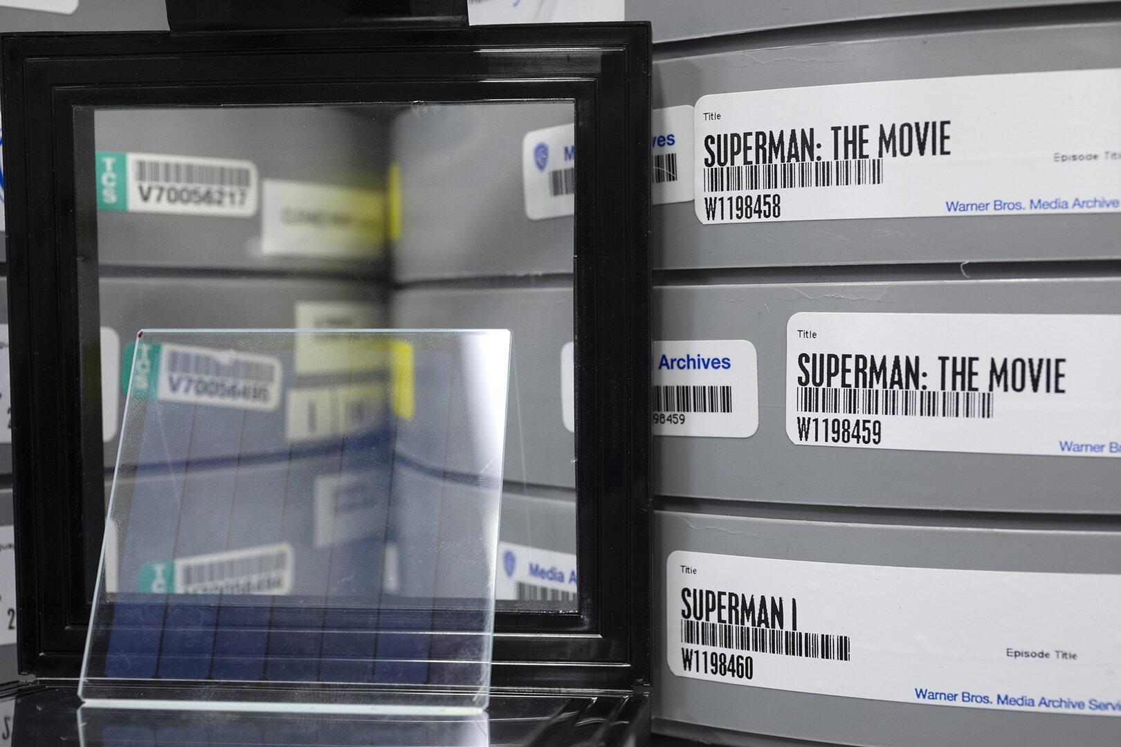 Superman auf Tapes und auf Quarzglas
