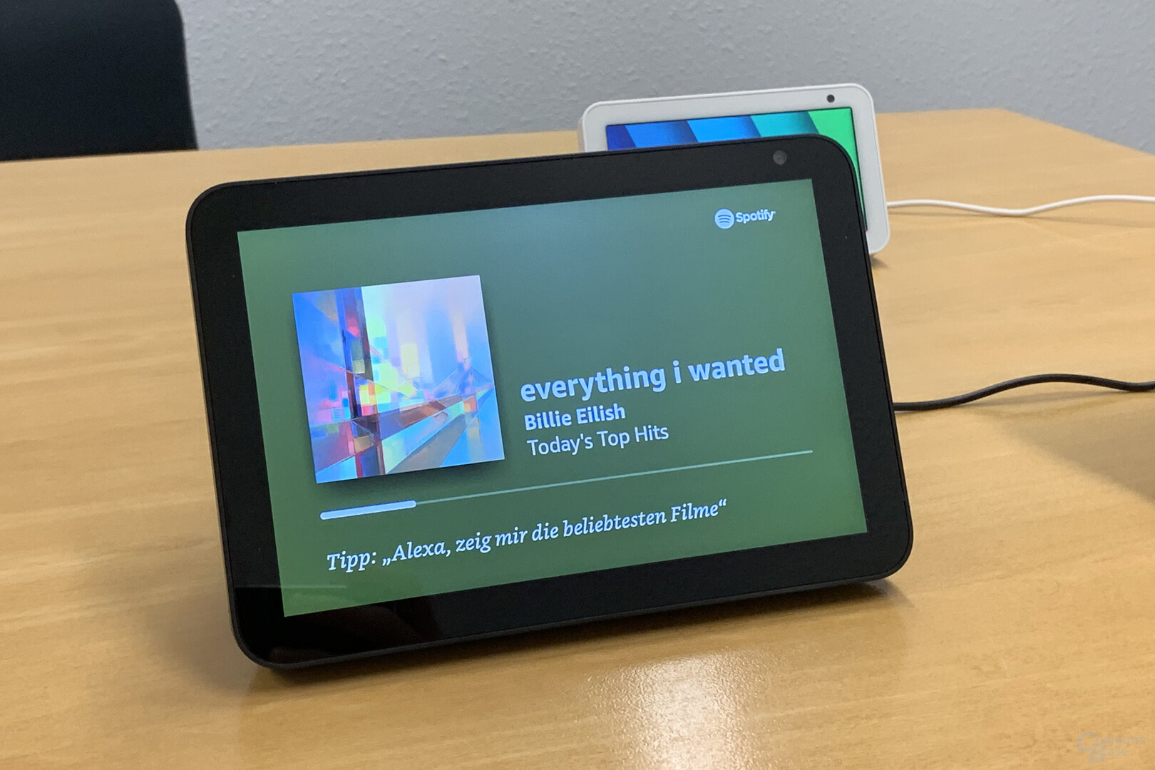 Amazon Echo Show 8: Spotify zeigt Cover