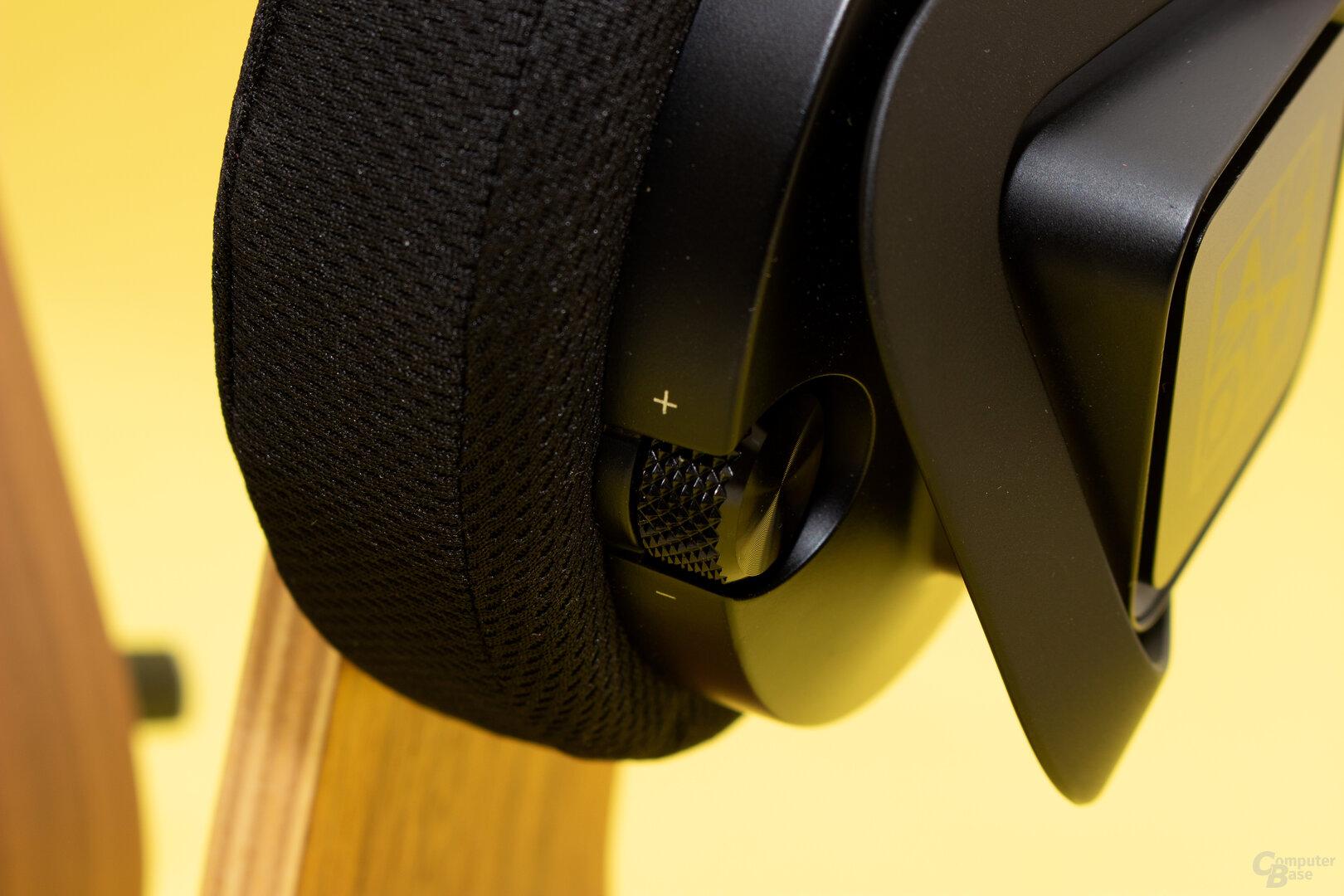 Der Lautstärkeregler als einziges Bedienelement am Headset