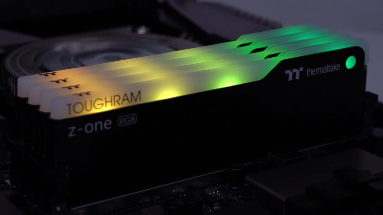 RGB-RAM mit DDR4-3200: Thermaltakes Toughram Z-One RGB leuchtet dezent bunt