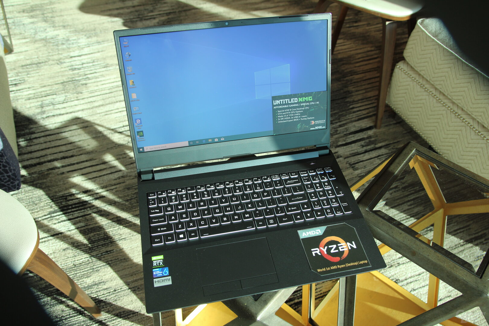 Schenker XMG mit AMD Ryzen 7 3700X