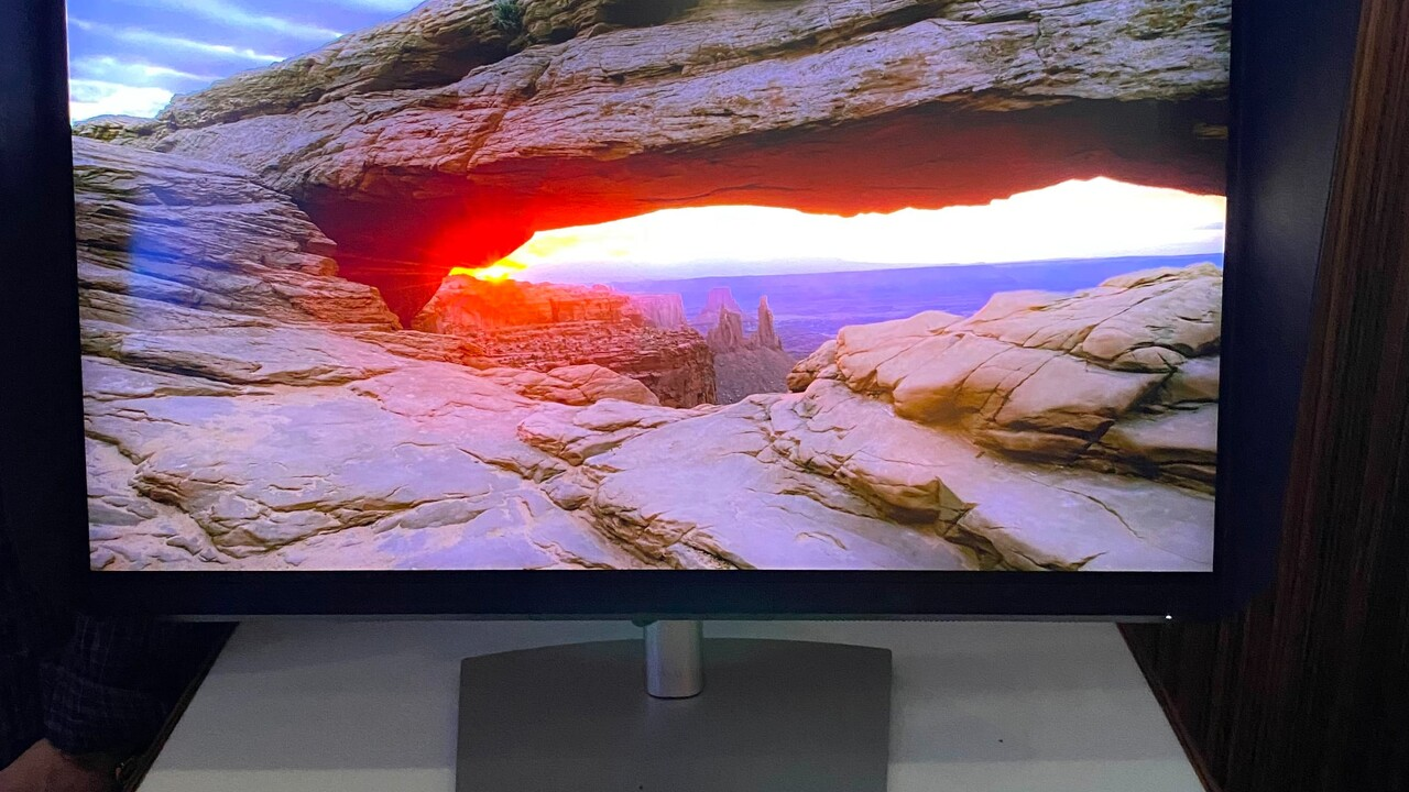 Dell UP3221Q: Monitor mit 2.000 dimmbaren Mini-LED-Zonen