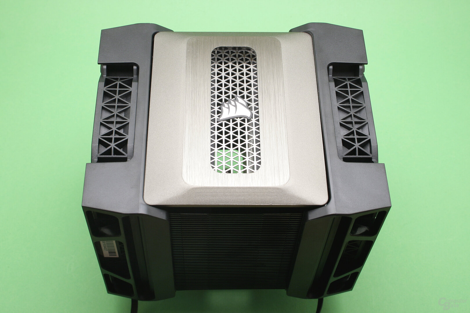 Corsair A500: Großer Luftkühler mit zwei Ventilatoren