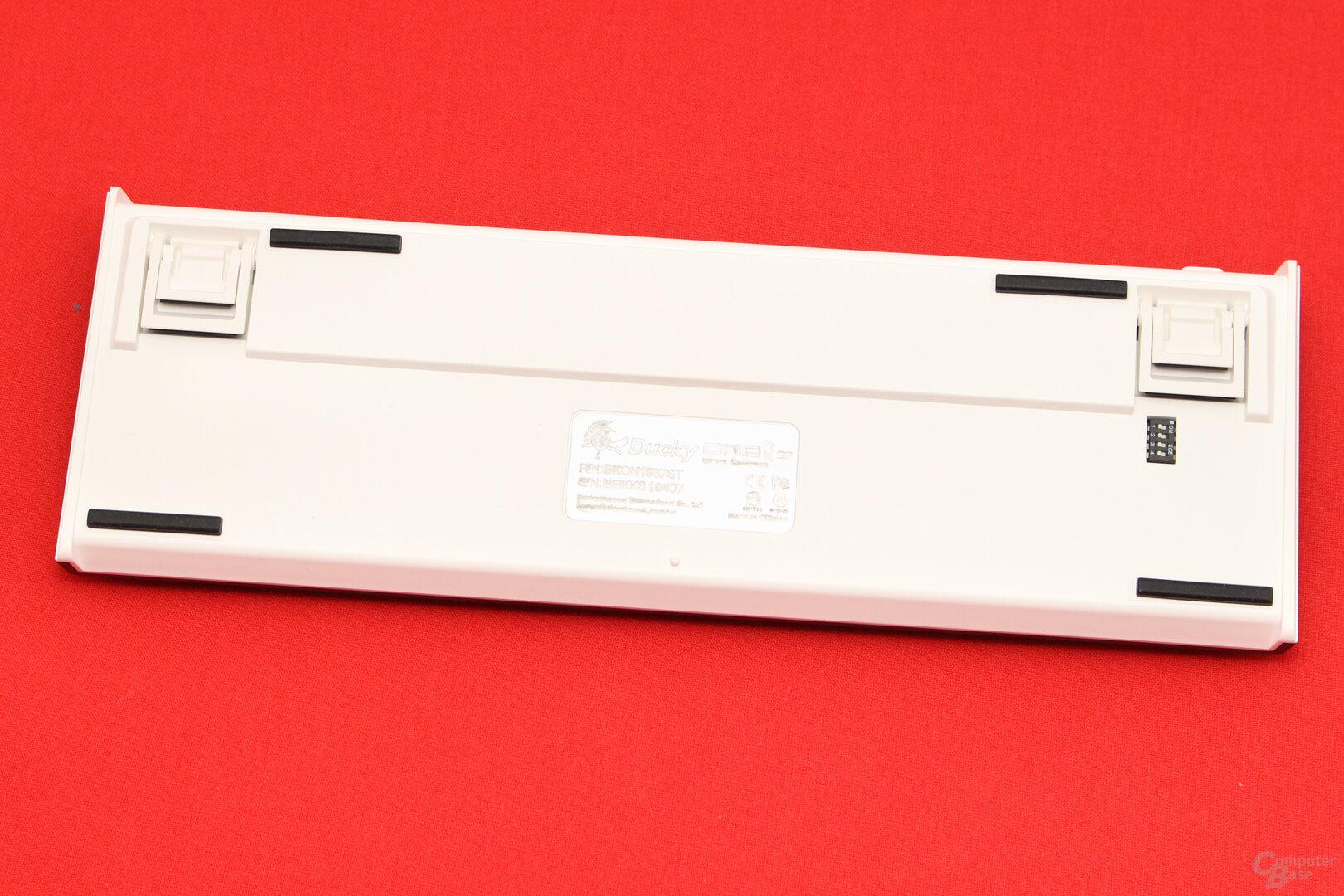Eine weiße Unterseite gehört zum normalen Design