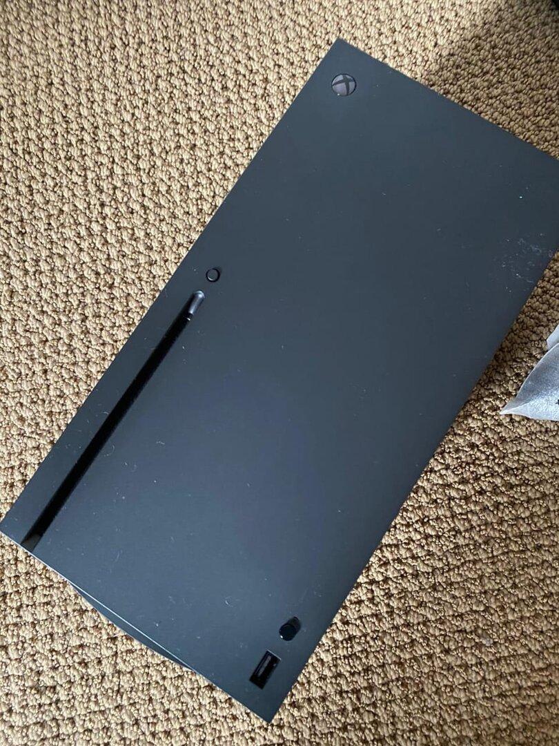 Prototyp der Xbox Series X von vorne
