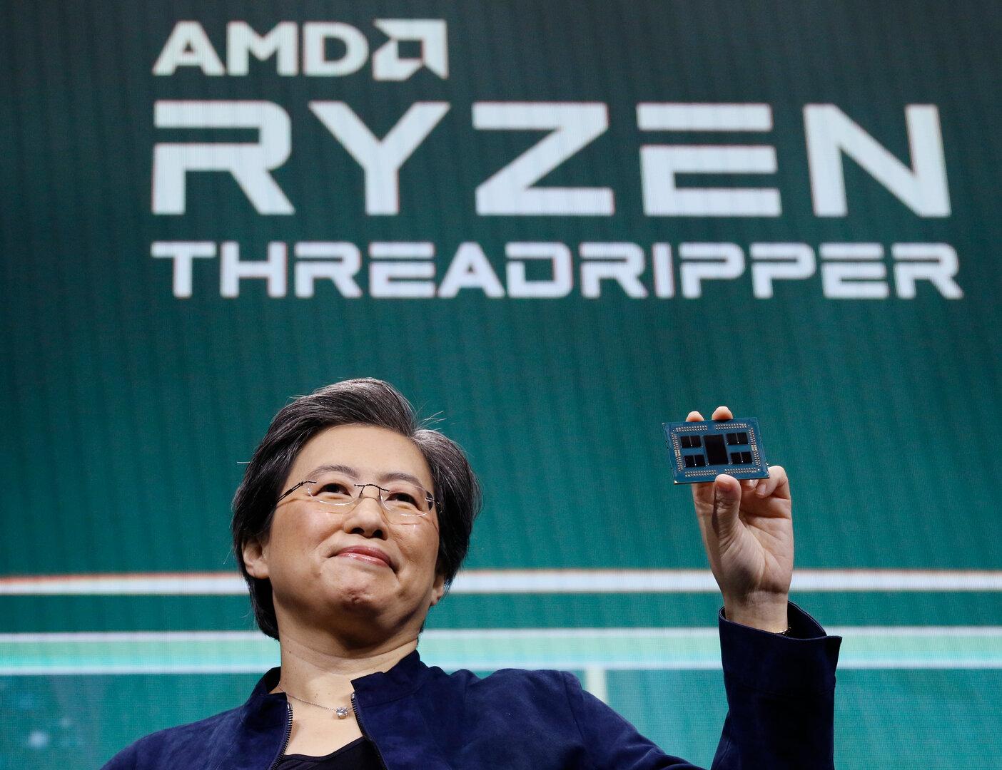AMD-CEO Lisa Su mit Ryzen Threadripper 3990X