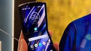 Motorola Razr: Beulen und Dellen im Falt-Display seien normal