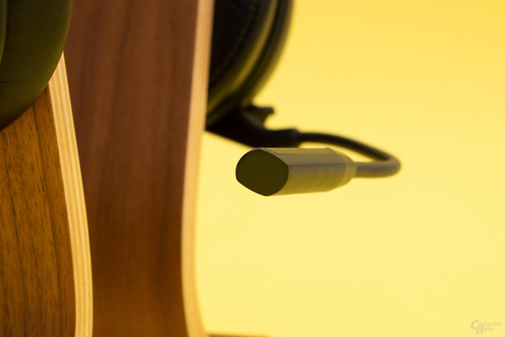 Das Mikrofon des MH-670 bildet die Stimme gut ab, ist aber anfällig für Störgeräusche