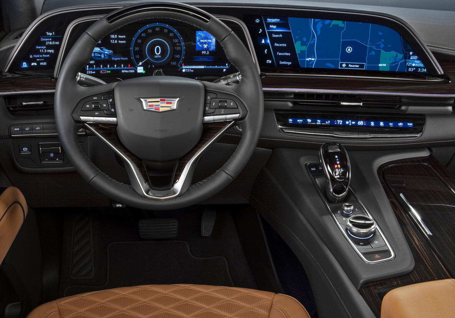 Neues Cockpit des 2021er Cadillac Escalade