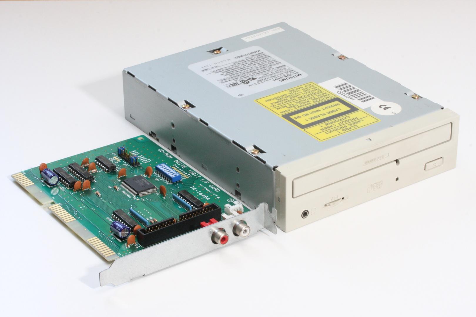 Ohne Steam war ein Double-Speed-CD-ROM-Laufwerk 1998 Pflicht um Half-Life zu installieren