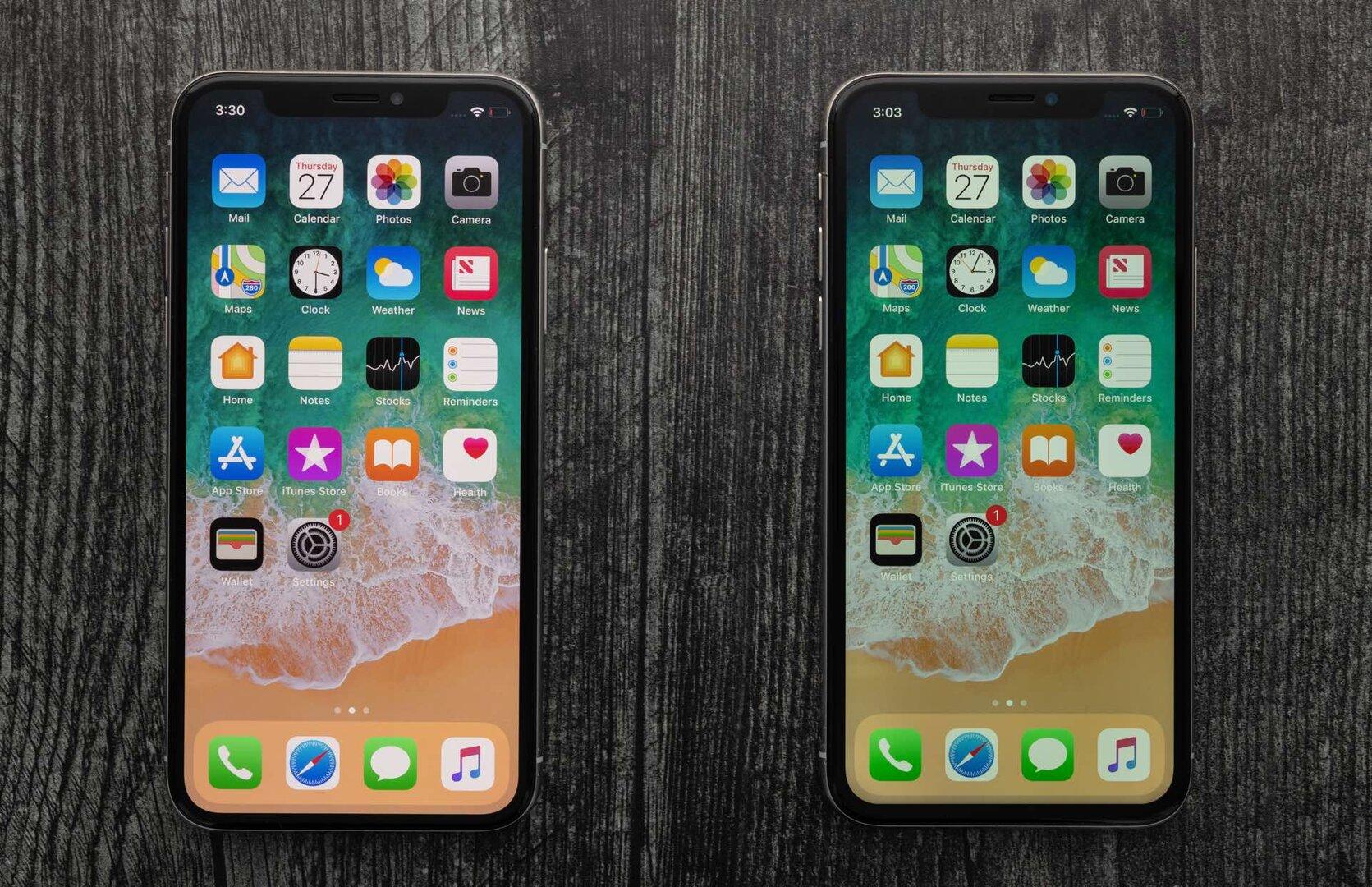 iPhone X mit OLED (l.) und LCD (r.)