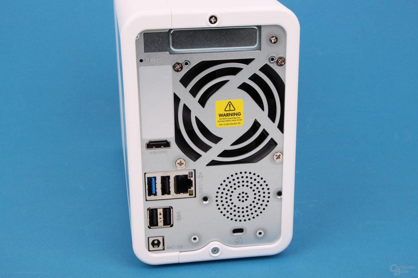 QNAP TS-251D: Überklebte Audio-Öffnungen