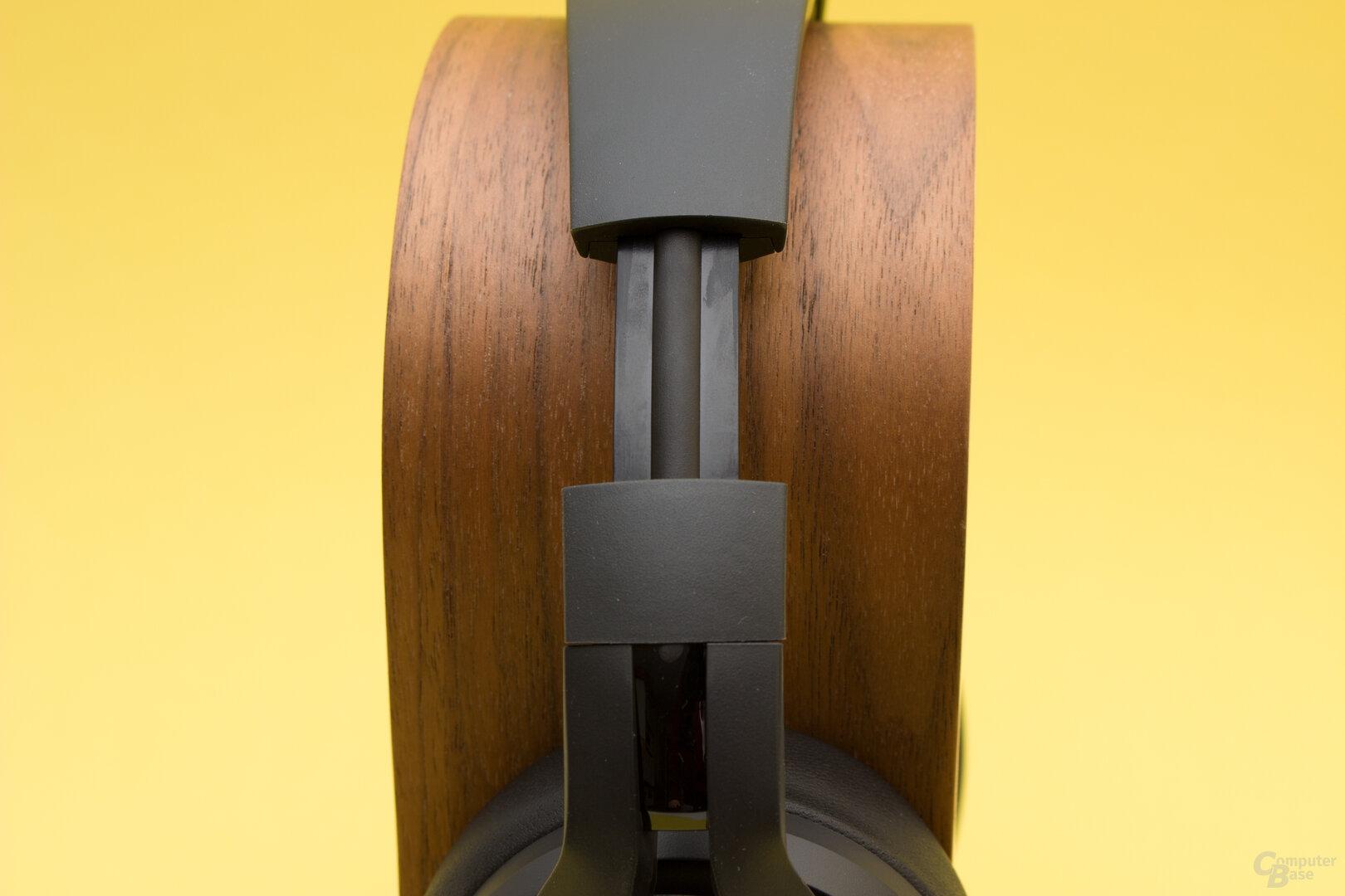 Der Metallbügel sorgt für einen strammen Sitz