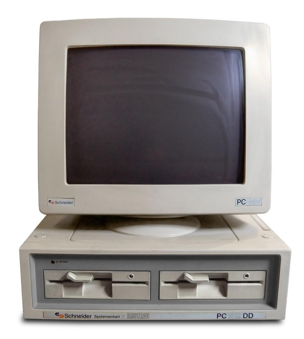 """Der erste PC von """"SkipOutLaw"""" war ein Schneider Amstrad PC 1512"""