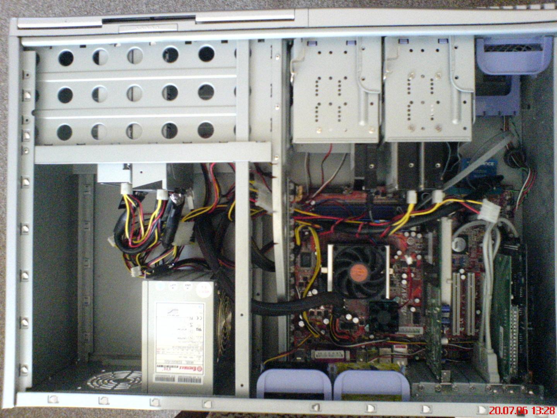 """""""HirnFeTzer"""" zeigt seine Hardware in einem Compucase 6AR1"""