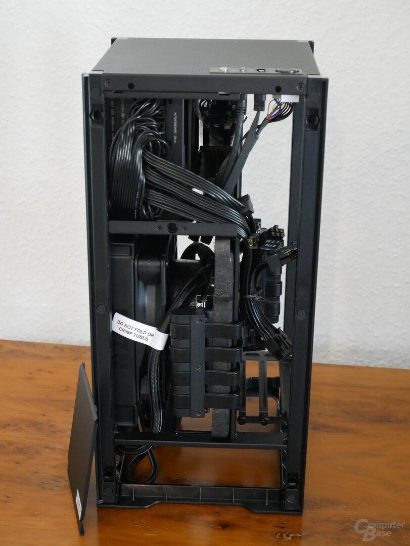 H1 schwarz Seitansicht Korpus
