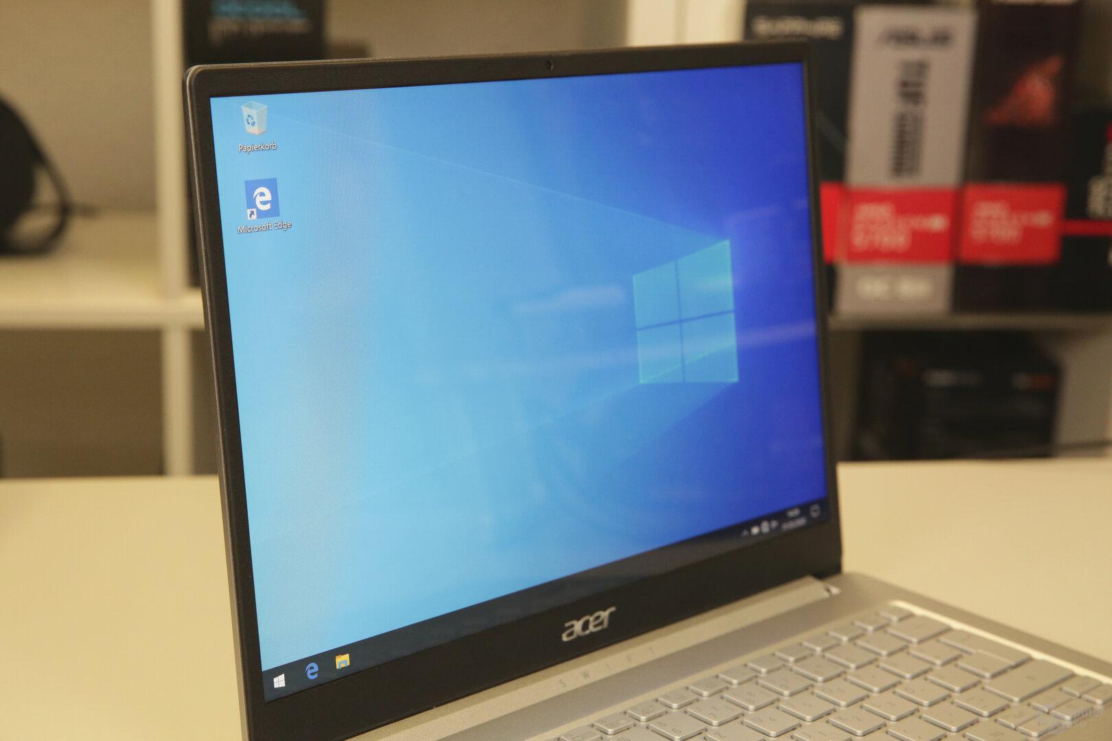 Das 13,5Zoll große Display bietet 2.256 × 1.504