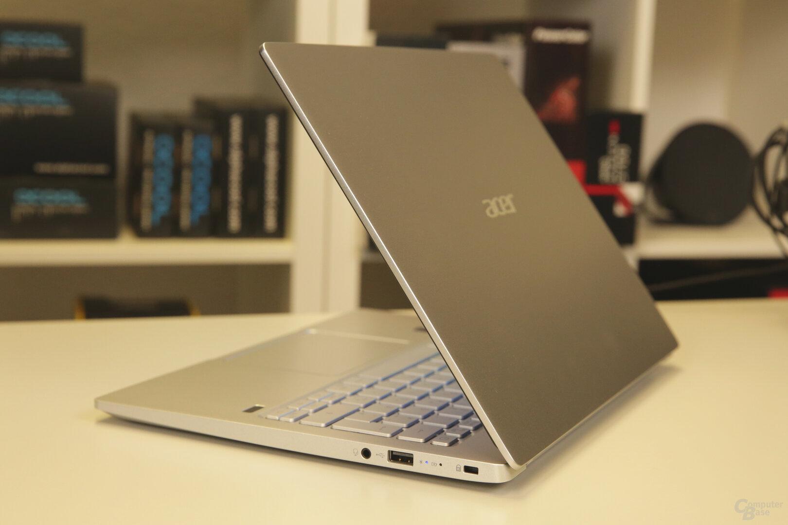 Acer gestaltet das Swift 3 beinahe vollständing in Silber