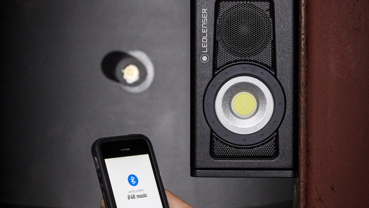 Ledlenser iF4R music: Magnetischer LED-Baustrahler mit Bluetooth-Lautsprecher