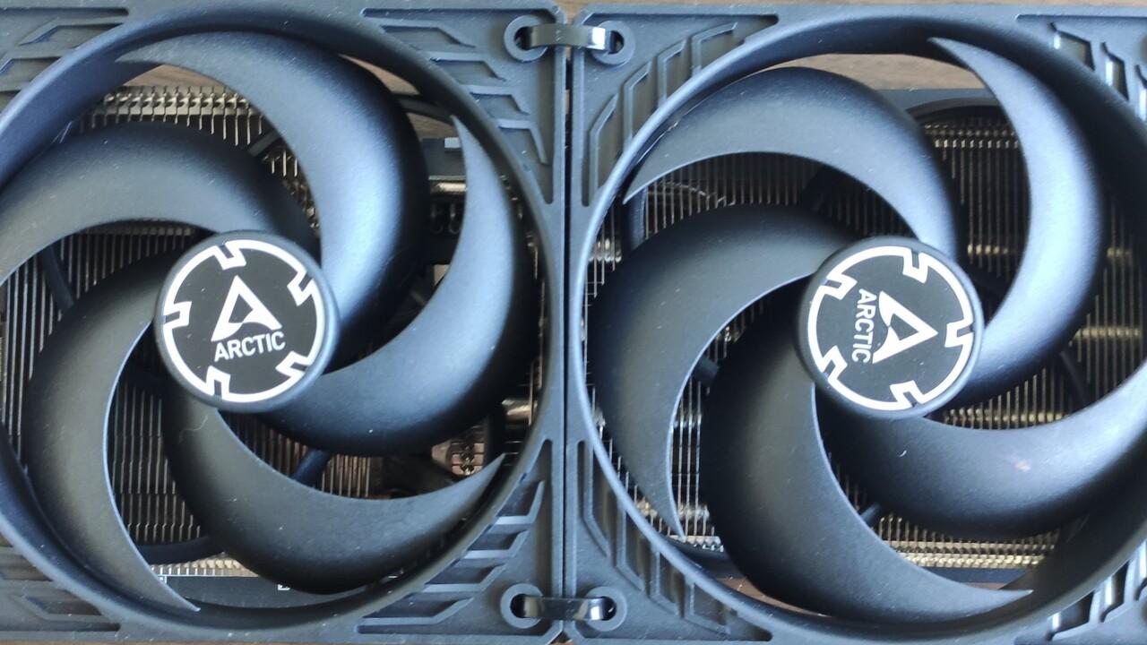 Aus der Community: Sapphire Radeon RX Vega 56 Pulse mit Arctic P12-Mod