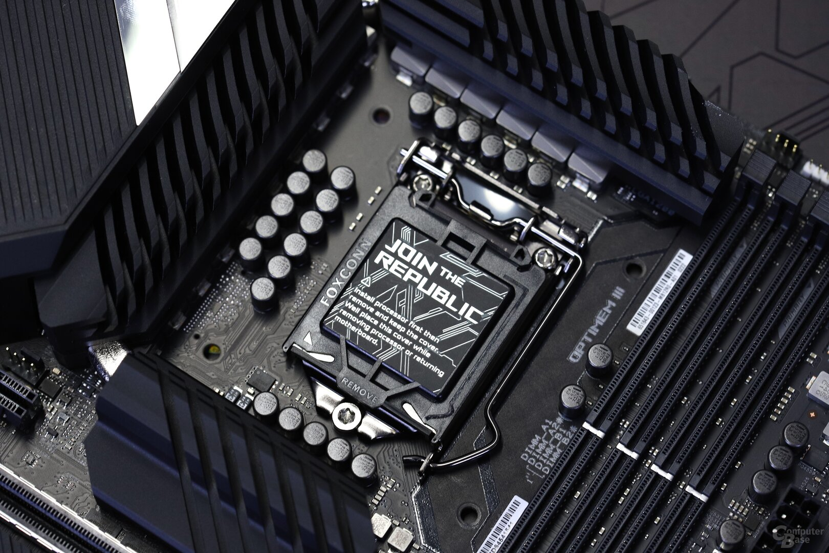 Asus Teamed Power Architecture mit 14+2 Phasen auf dem ROG Maximus XII Hero Wifi
