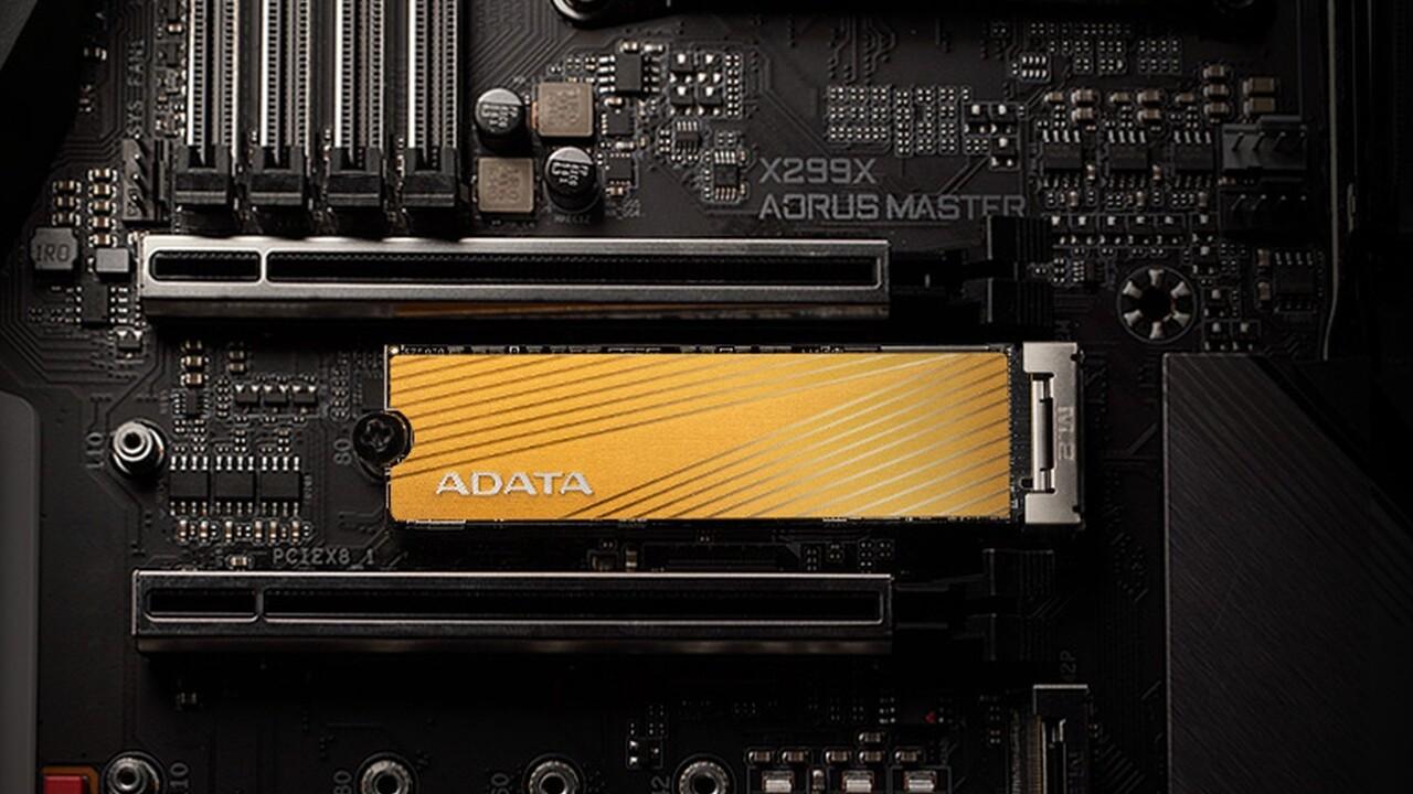 Adata Falcon SSD: Das goldene Gewand versteckt keinen DRAM