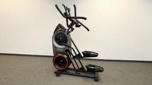 Bowflex Max Trainer M8 im Test: Das KI-gestützte Fitnesstraining für zuhause motiviert