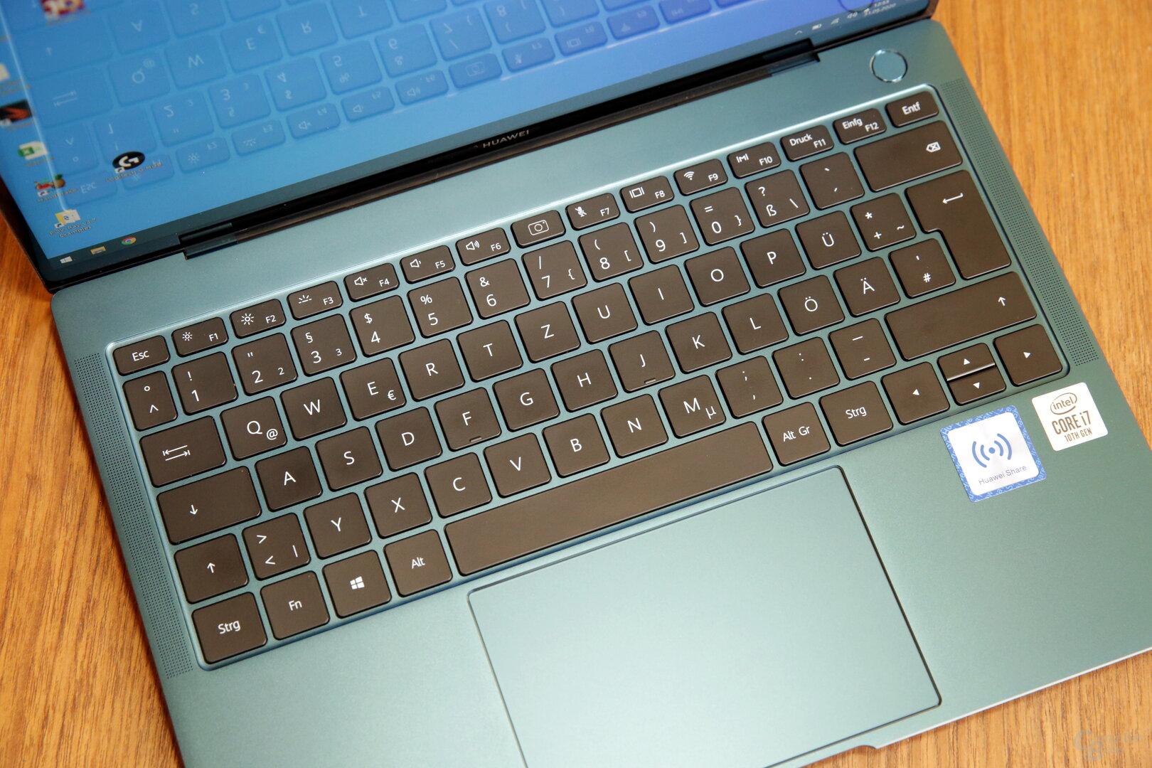 Flache Tastatur mit gutem Schreibgefühl