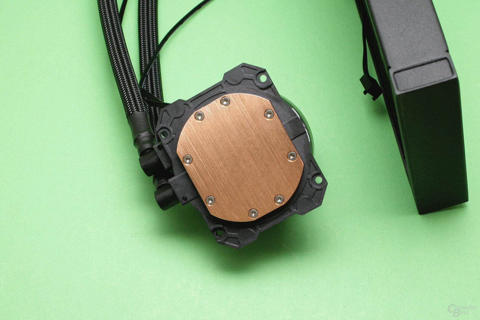 Cooler Master MasterLiquid ML240L V2 RGB: CPU-Auflagefläche der Pumpe
