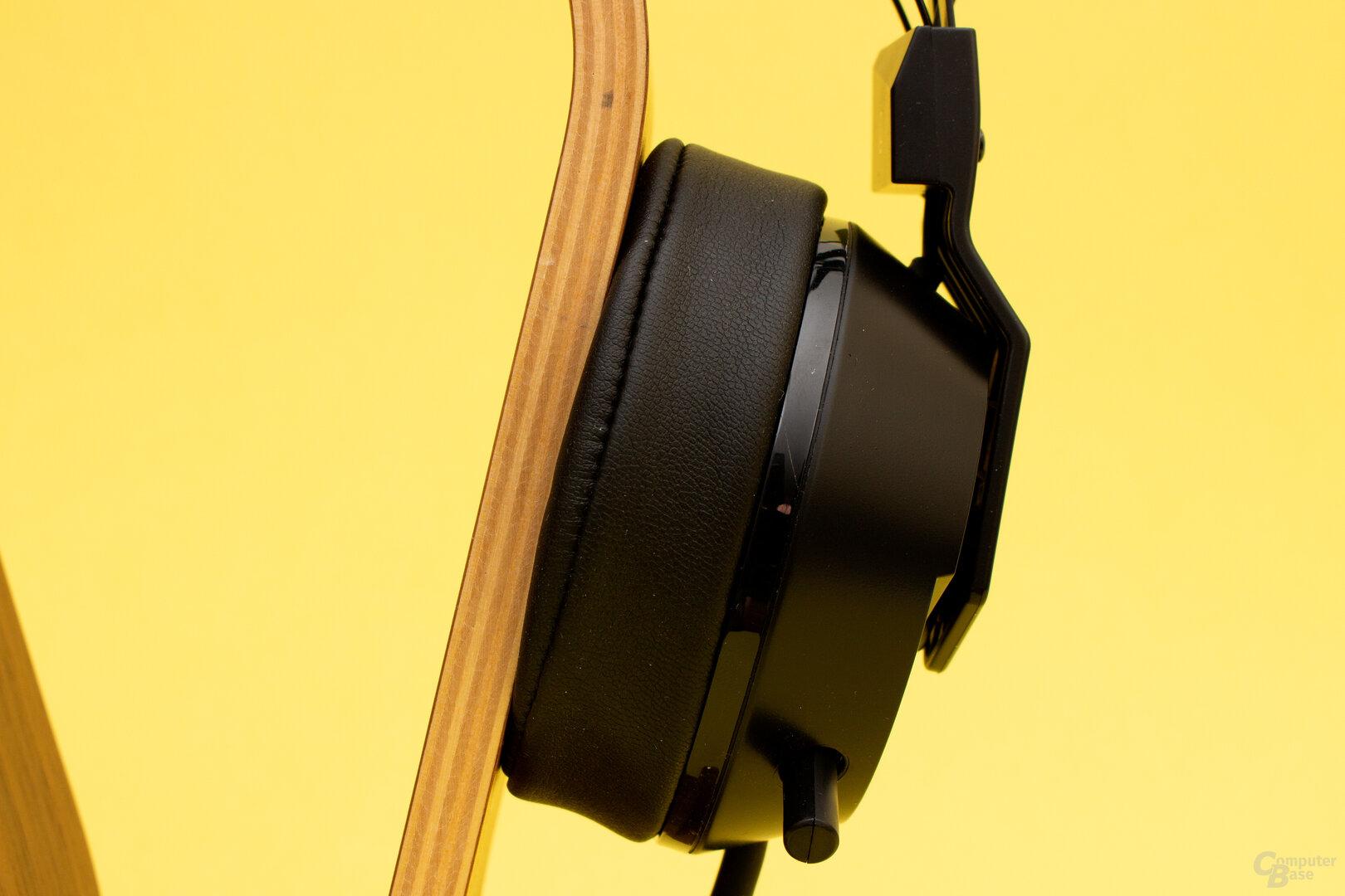 Das Mikrofon lässt sich beim F.R.E.Q.4 in der Ohrmuscheln verstauen