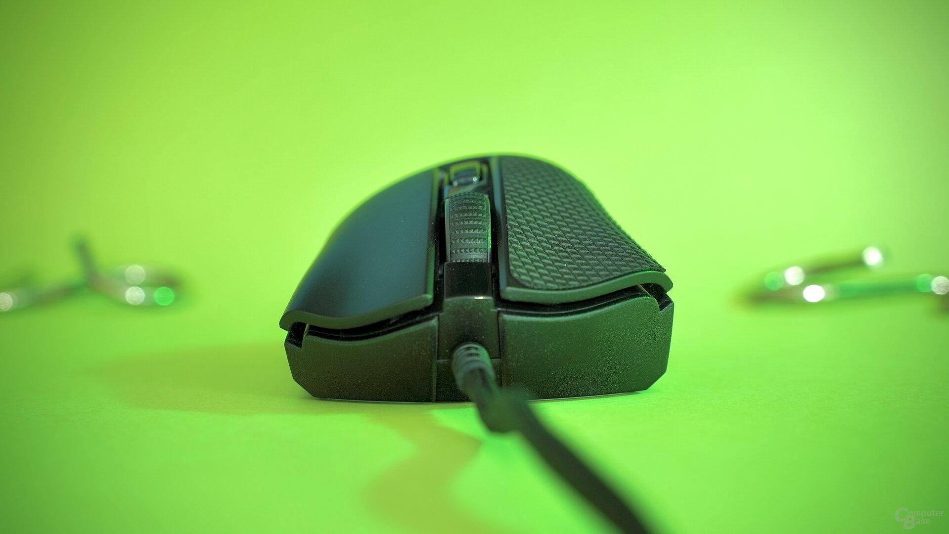 Razer DeathAdder V2 Mini mit Grip-Tapes auf der linken Primärtaste