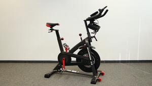 Schwinn IC8 im Test: Vernetztes Spinning-Bike profitiert von Peloton