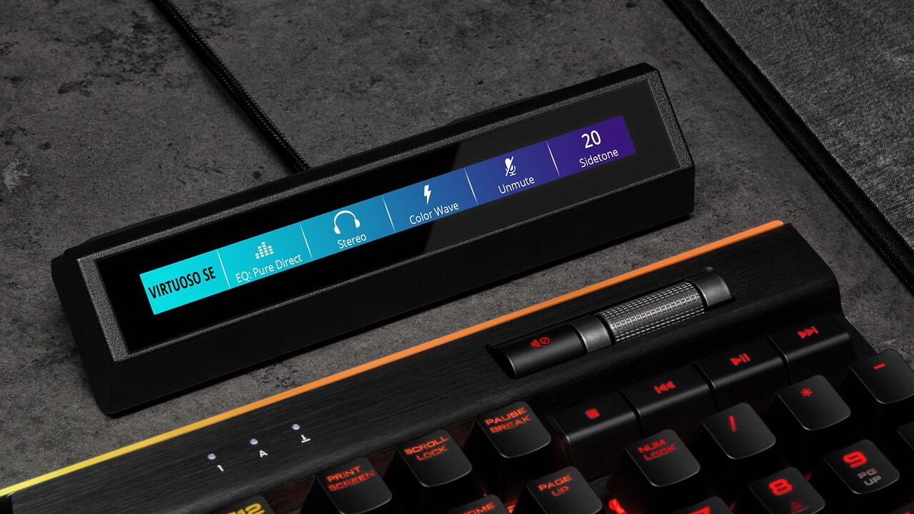 Corsair iCUE Nexus: Touchscreen für Tastaturen steht auf dem Schreibtisch