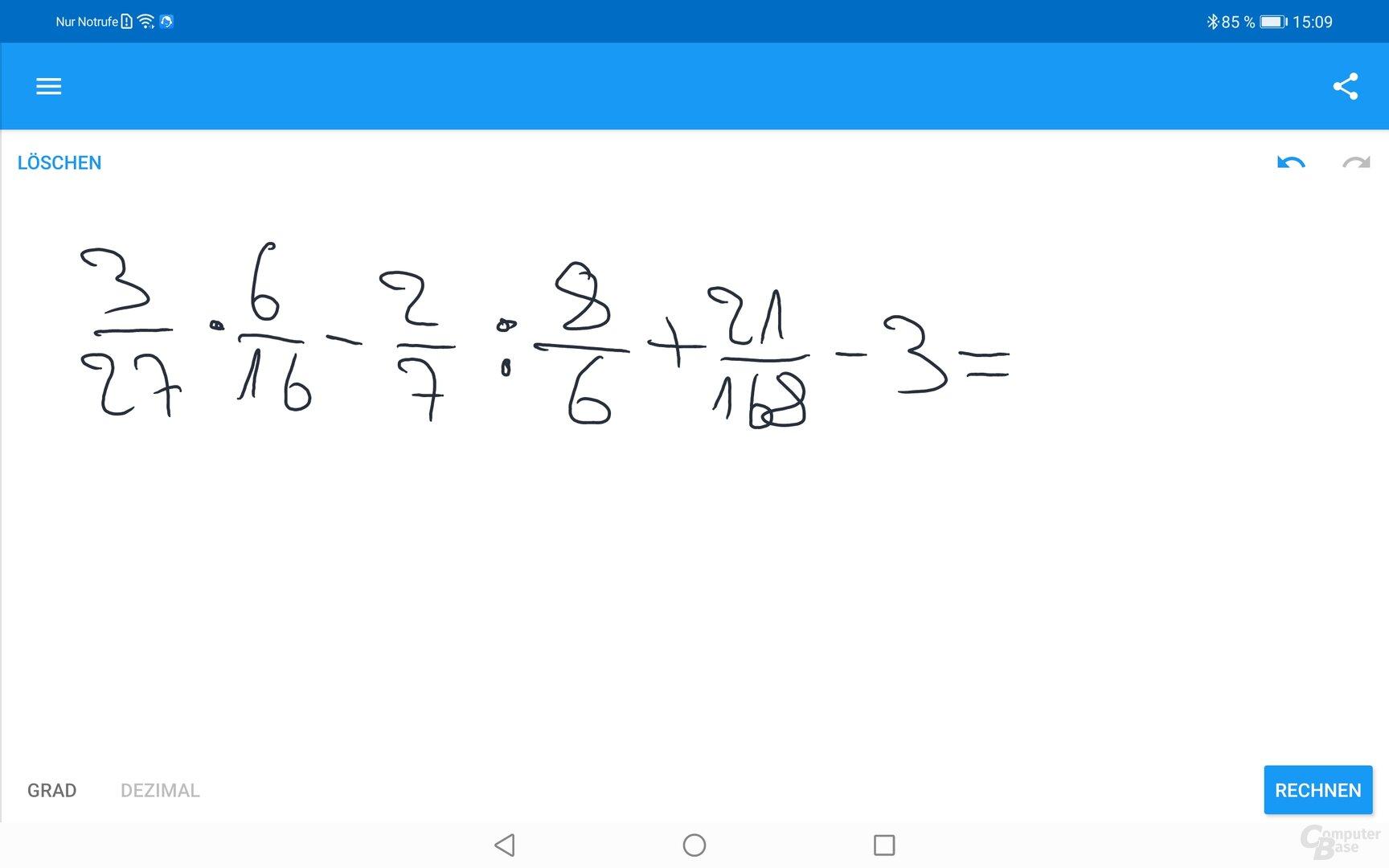 Mit einfacheren Eingaben hat der MyScript Calculator keine Probleme (wer möchte kann gerne nachrechnen)