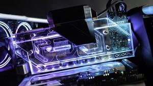Grafikkarten-Kühler: Alphacools Eiswolf 2 kühlt mit Wasser das gesamte PCB