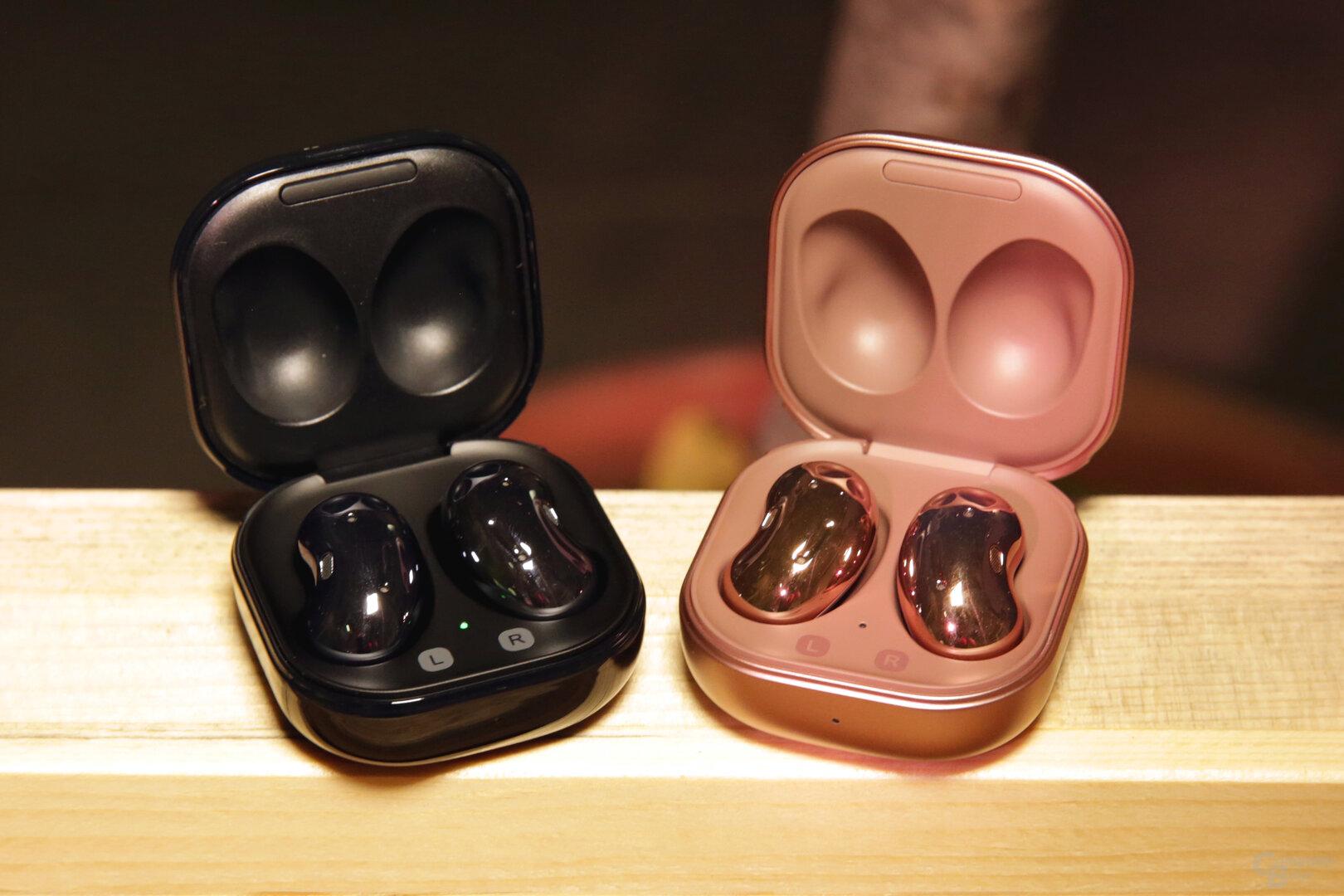 Die In-Ear-Kopfhörer kommen in Schwarz oder Bronze