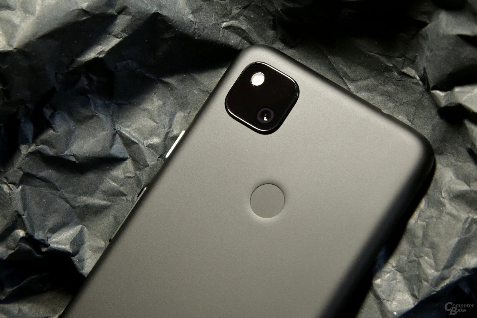 Single-Kamera, die der Hauptkamera des Pixel 4 entspricht