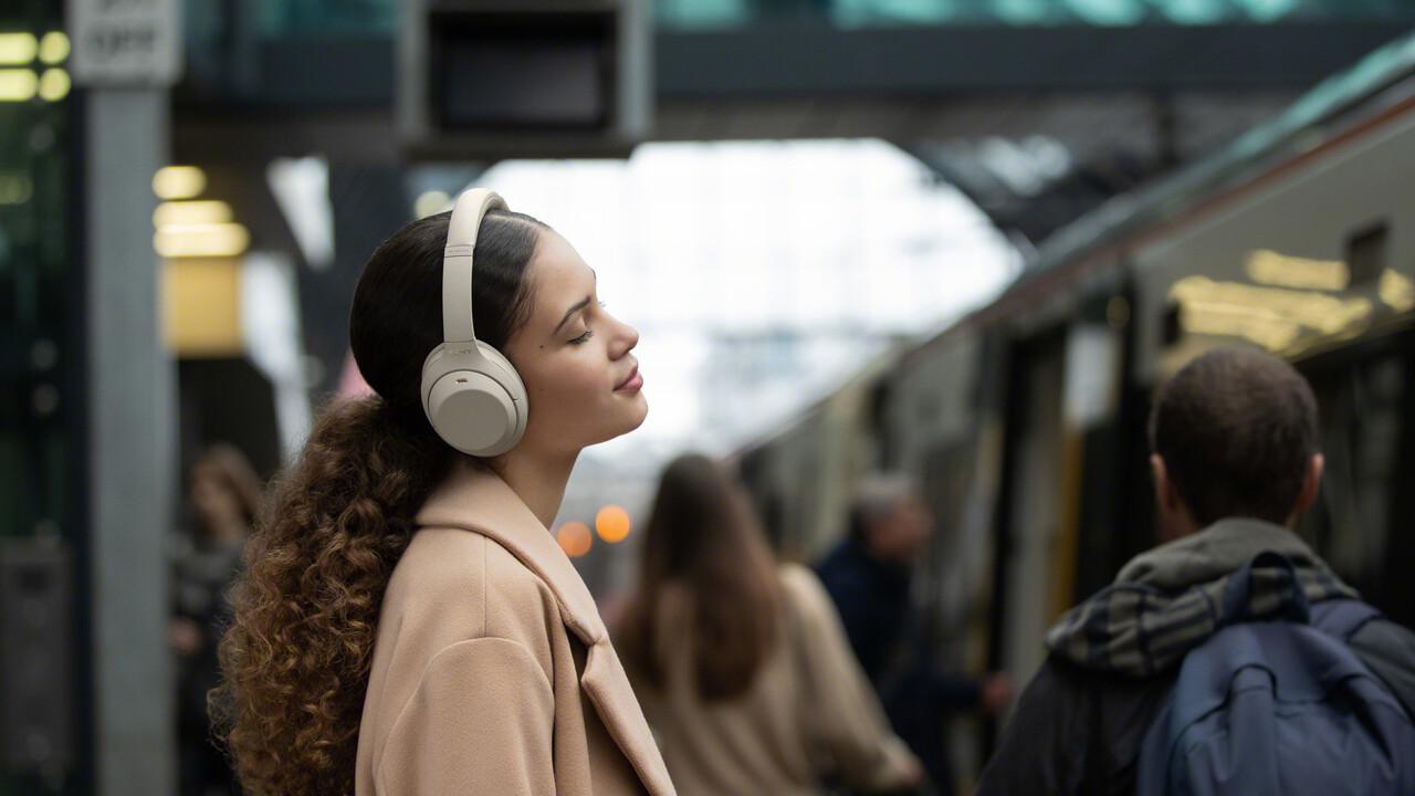 Sony WH-1000XM4: ANC-Kopfhörer schweigt beim Reden und Abnehmen