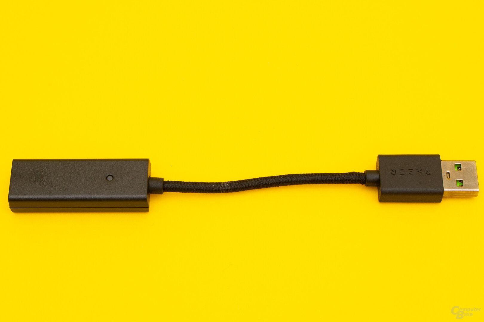 Die USB-Soundkarte des BlackShark V2 ist klein und liefert nur einen mittelmäßigen Klang