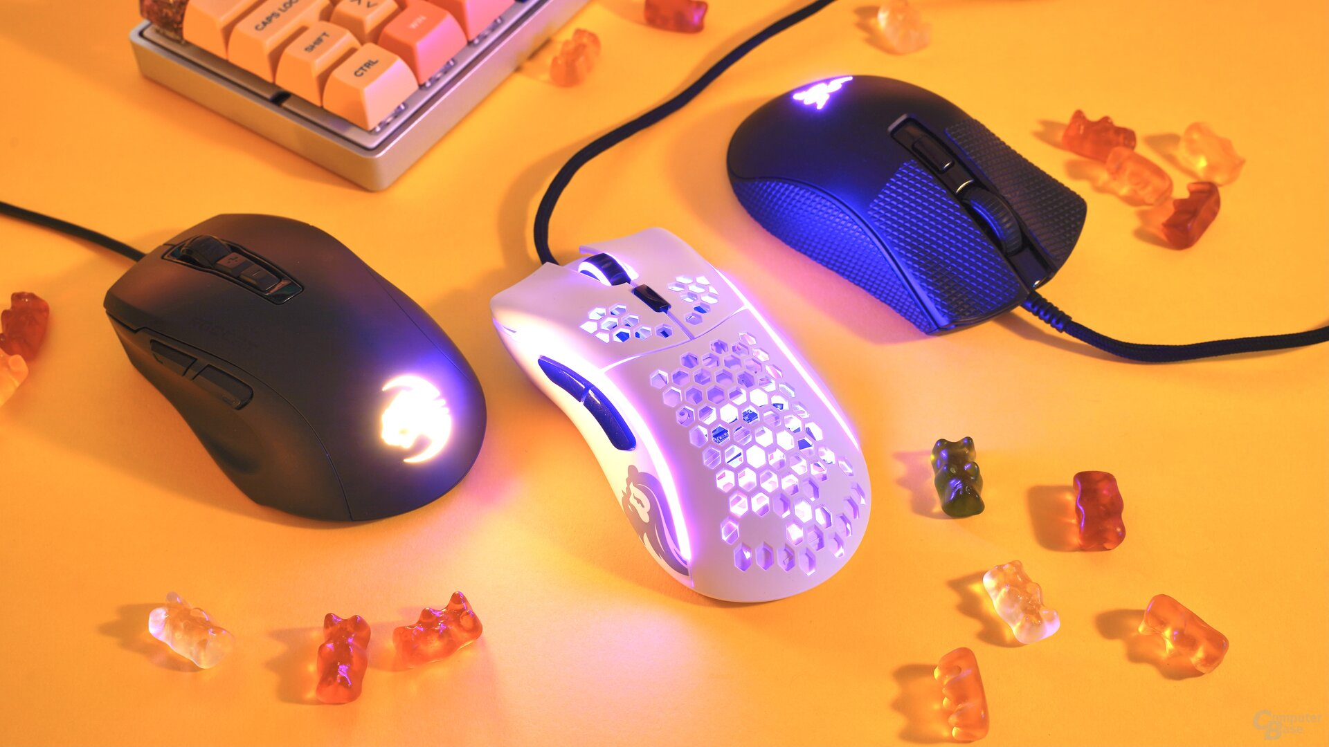 Roccat Kone Pure Ultra, Glorious Model D- & Razer DeathAdder V2 Mini
