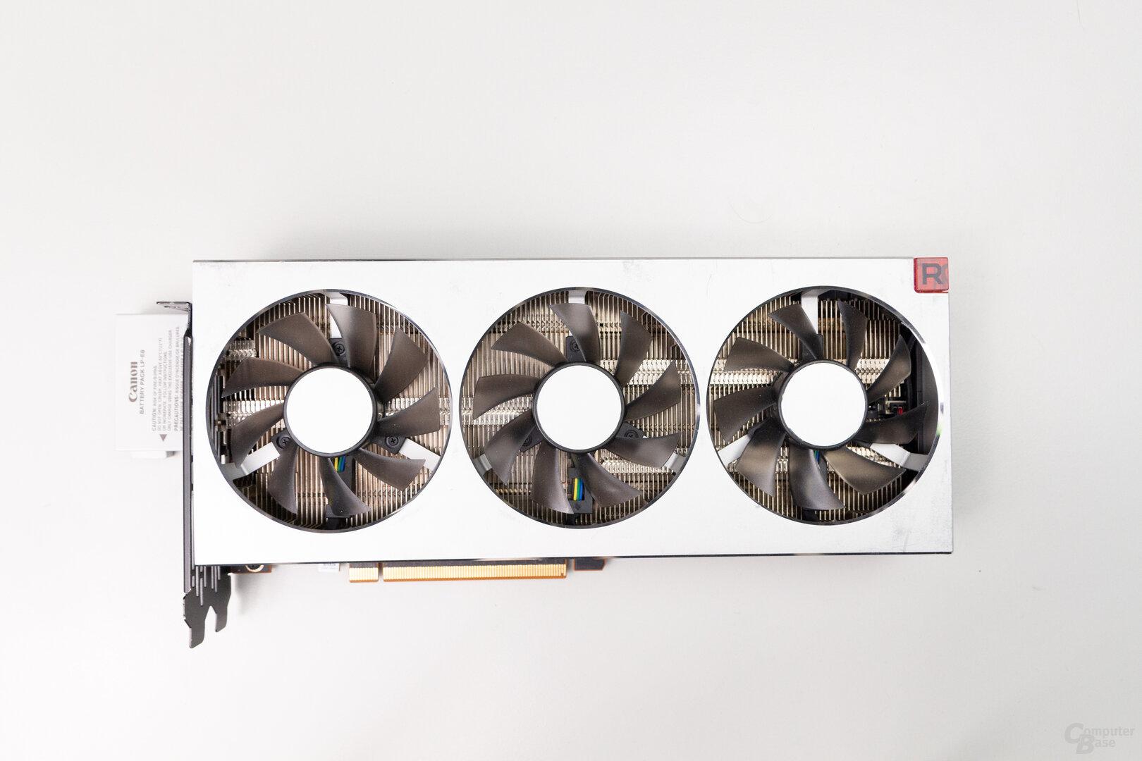 Radeon VII: 27,0 cm