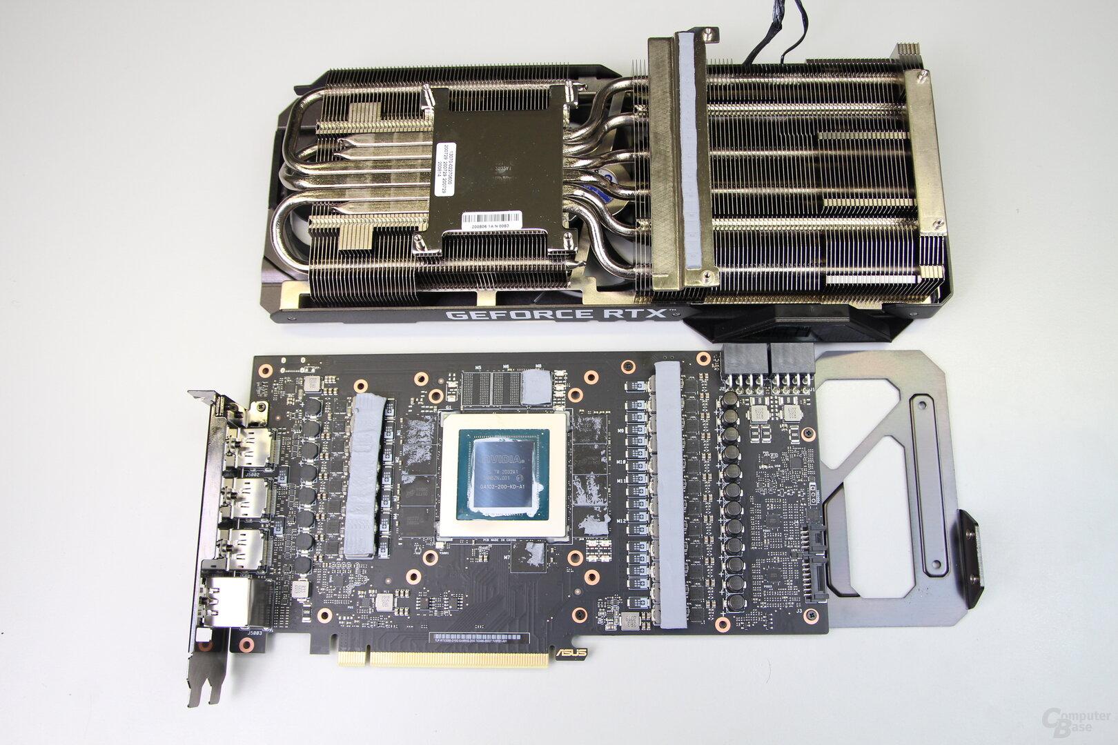 Platine und Kühler der Asus GeForce RTX 3080 TUF