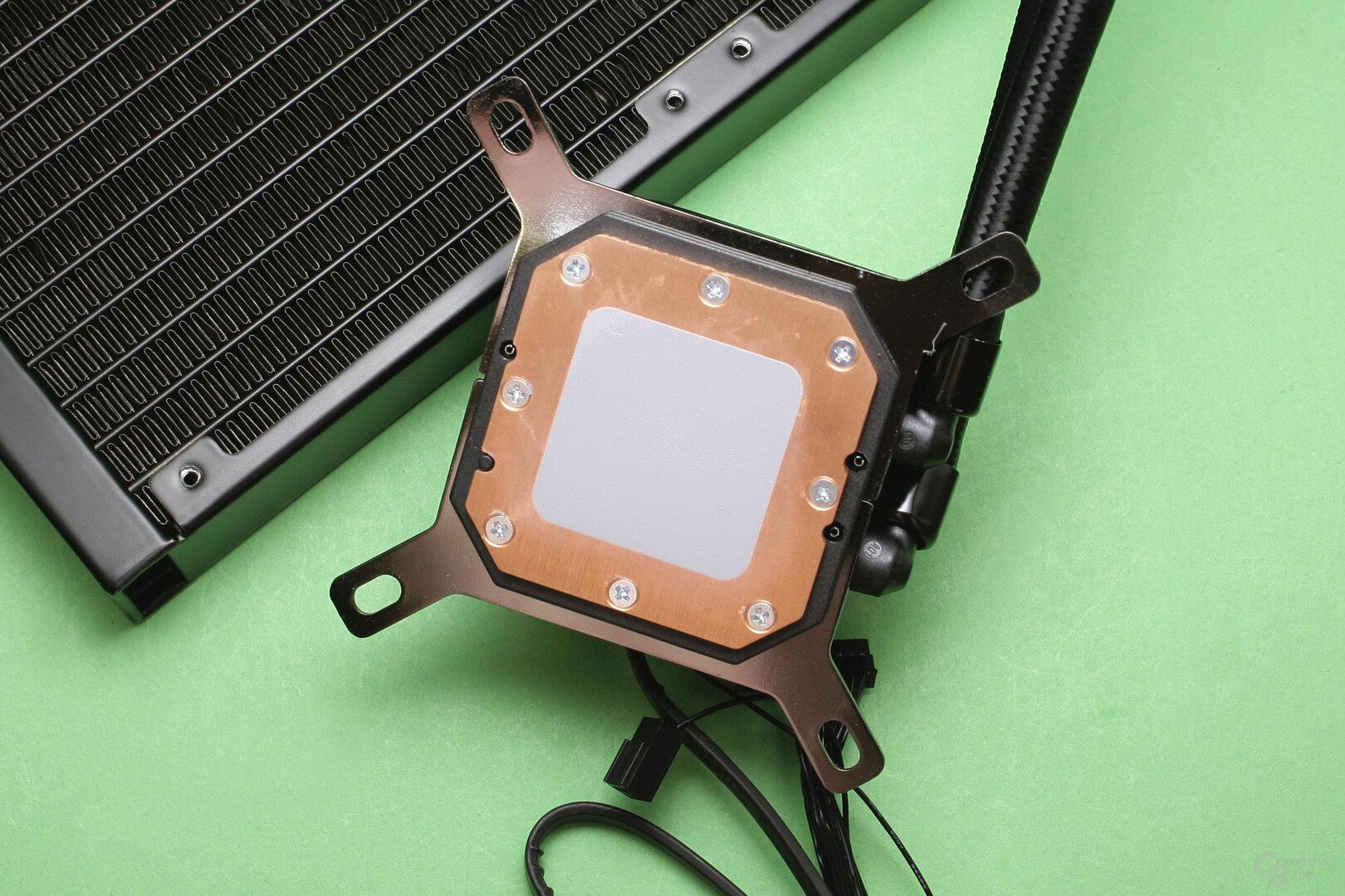 Corsair iCUE H150i Elite Capellix: Kühler mit bereits aufgetragener Wärmeleitpaste