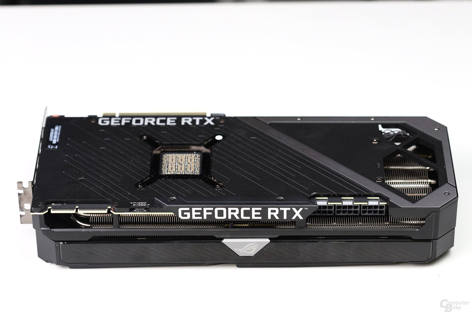 Die Asus GeForce RTX 3090 Strix OC im Test