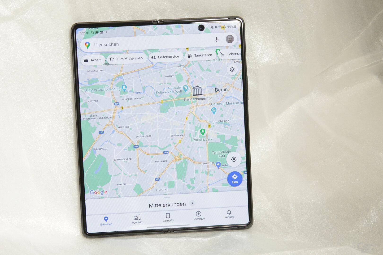 Google Maps kommt extrem gut auf dem riesigen Display