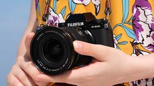 Fujifilm X-S10: Kompakte, spiegellose Kamera mit Technik der X-T4