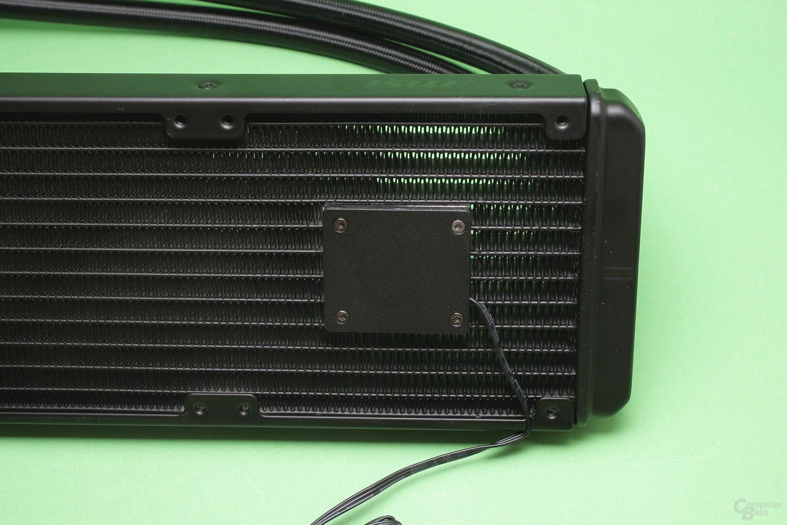MSI MAG CoreLiquid 360R: Die Pumpe ist im Radiator integriert